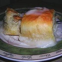 Pani Popo (Hawaiian Coconut Bread)