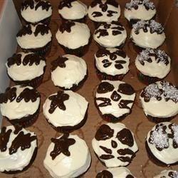 KISS cupcakes - Dark Chocolate Cake I