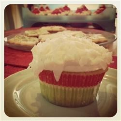 Coconut cupcake with seven-minute frosting