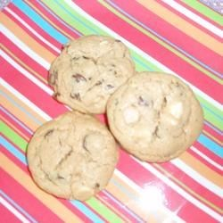 Bestcooker's Fully Loaded Cookies