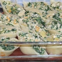 Spinach, Artichoke and Cheese Stuffed Pasta Shells