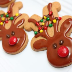 Gingerbread Men Recipe and Video - This recipe for gingerbread men uses butterscotch pudding mix and doesn't require molasses!