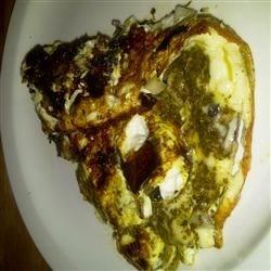 Portobello Pesto Egg Omelette Recipe - Portobello mushroom, red onion, and pesto flavor this egg white omelette.