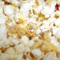 Vanilla Popcorn Recipe - A delicious lightly sweetened popcorn snack with a hint of vanilla.