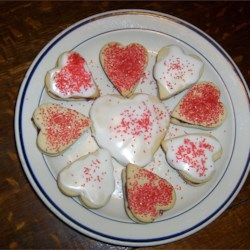 Sugar Cookies I Recipe - Use this recipe for sugar cookies to get delicious cut-out cookies perfect for your Christmas decorating.