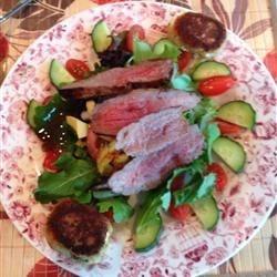 Grilled Skirt Steak Mixed Green Salad