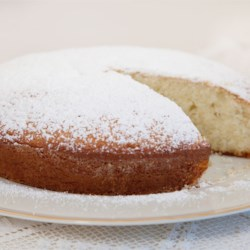 Irish Tea Cake Recipe - This is a simple butter cake that is great with tea or coffee. Easy to make, pretty and very delicious.