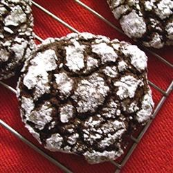 Easy Chocolate Crackled Cookies Recipe - This is a really easy recipe because you just use a cake mix as the base.