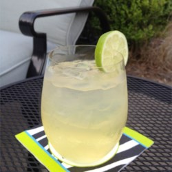 Joe's Perfect 'Anti-Sour Mix' Margarita Recipe - Tired of mediocre margaritas with stomach-upsetting sour mix? Try this perfect margarita recipe on the rocks!
