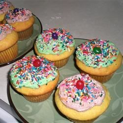 Banana Butter Icing Recipe - Can be used on banana cake, white cake or peanut butter cake.