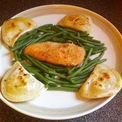 Gina's Lemon Pepper Chicken Recipe - This is actually a very easy and fast dish. I 'came across' this a few years back by just experimenting. Hope you enjoy it as much as I do! It is great with a tossed salad, or with tater tots and a vegetable. Bon Appetit!