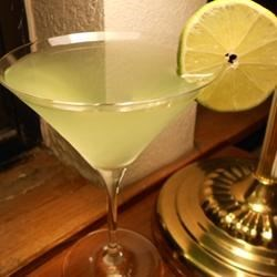Apple Martini Recipe - This is a vodka martini with a summer twist!