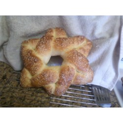 Hanukkah Star Challah Recipe - When invited to a Hanukkah dinner, I thought of making something appropriate. Finally we decided on a Challah bread shaped as a 6-pointed Star of David.