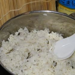 Japanese Sushi Rice Recipe - Japanese sushi rice is the best tasting kind of rice.  Plus it's very usefull because it's so sticky. I use white or brown rice.