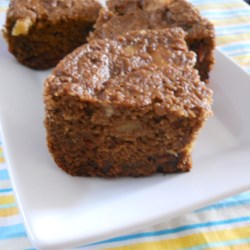 Rice Cooker Muffin Cake Recipe - Put all the flour, spices, and fruit into a rice cooker to make a sweet spice cake in less than an hour.