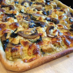 Chicken and Gorgonzola Pizza