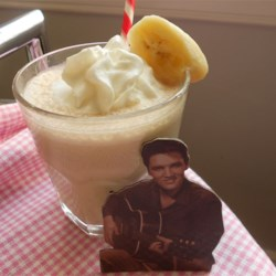 Elvis Smoothie (Almond and Banana) Recipe - Elvis would love this banana smoothie made with almond butter, skim milk, vanilla extract, and just a pinch of cinnamon.