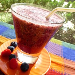 Berry Refresher Recipe - This recipe is a perfect refresher for a hot summer day or to quench a raging thirst!  Absolutely delicious! To make it thick, simply use berries frozen!