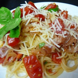 Summer Fresh Pasta with Tomatoes and Prosciutto