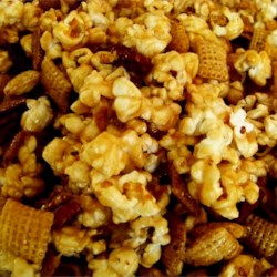 Caramel Corn Snack Mix Recipe - This is a sweet party snack mix recipe.