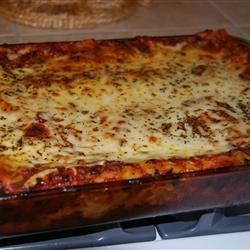 Convenient Vegetarian Lasagna Recipe - A meatless layered lasagna with carrots, broccoli, bell pepper and onion.