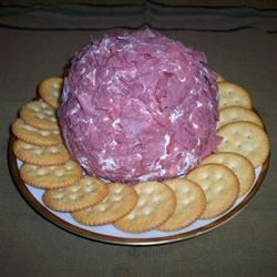 Dried Beef Ball Recipe - This is a favorite cocktail-party item, using cream cheese and dried beef, seasoned with Worcestershire sauce and green onions. Recipe can be multiplied.