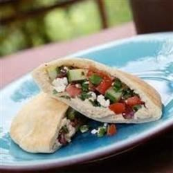 Pita Love Recipe - Quick, filling, nutritious and delicious!  I experimented with this unique pita recipe in college while trying to find a quick and different meal for dinner.  Not only is this meal healthy and easy to make, the presentation is impressive!  It's easily adaptable to include your favorite ingredients, too.