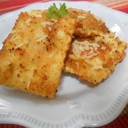 St. Louis Toasted Ravioli Recipe - The St. Louis style of preparing ravioli is unique and delicious. The ravioli is breaded, fried and served with marinara sauce and a sprinkling of Parmesan cheese.