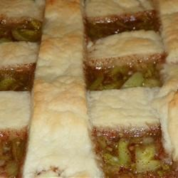 Green Tomato Pie II Recipe - This is a simple and sweet classic green tomato pie.