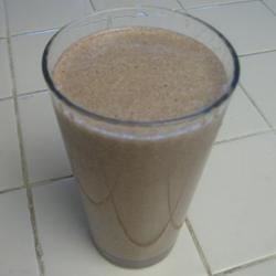 Chocolate Banana Peanut Butter Shake Recipe - This shake with instant breakfast mix, peanut butter, bananas, and milk, is great for a morning breakfast, or a snack anytime during the day.