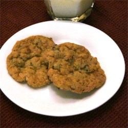Crunchy Chip Cookies Recipe - Somewhat like a chocolate chip cookie but this one has the added crunch of crisp rice cereal.