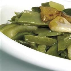 Vainas con patatas (long beans with potatoes)