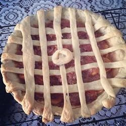 Guava Pie Recipe - Enjoy a taste of the tropics with this guava pie. Spiced with cinnamon and nutmeg, it's sweet, flavorful, and perfect for dessert.