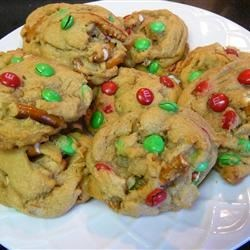 Sweet & Salty M&M Cookie ~ Pinterest ~ http://zestycook.com/cookie-me-up-sweet-salty/