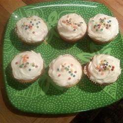Butter frosting cupcakes