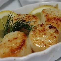 Broiled Scallops Recipe - My husband thinks these scallops are better than any we have found in any restaurant.