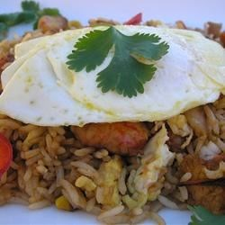 Korean Saewoo Bokkeumbap (Shrimp Fried Rice) Recipe - Cooked rice gets a delectable second life when made into Korean-style shrimp fried rice and topped with a lightly fried egg. Serve with kimchi and other Korean side dishes for an authentic taste.