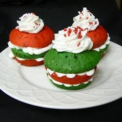"""""""i give up"""" Cupcakes - Pinterest ~ http://sugarswings.blogspot.com/2010/11/i-give-up-cupcakes.html"""