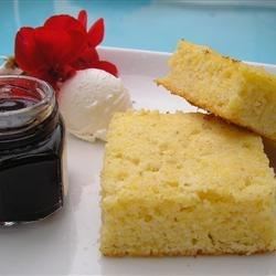 Bosnian Style Cornbread (Razljevak) Recipe - This cornbread recipe from Sarajevo is similar to the southern American classic with the addition of semolina flour. It can also be used to make muffins.