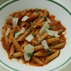 Pomodoro Pasta Sauce Recipe - Make your own homemade tomato-based pasta sauce with this simple, straight-forward recipe packed with flavor.