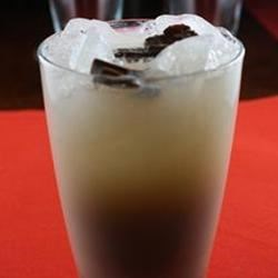 Mendelssohn Recipe - A delicious and refreshing cocktail made with Irish cream liqueur!