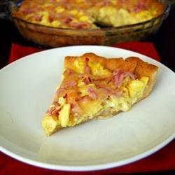 Eggs Benedict Breakfast Pizza