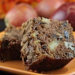Grandma's Fresh Apple Cake Recipe - A wonderful loaf cake that is chock full of apples. It also contains raisins and nuts.