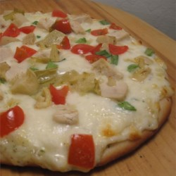 White Garlic Chicken Pizza with Sargento Cheeses