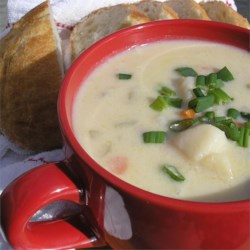 Delicious Ham and Potato Soup Recipe - A hearty, easy soup that's ready in 45 minutes. Perfect for using up leftover ham.