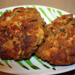 Salmon and Shrimp Cakes Recipe - These easy broiled salmon and shrimp cakes, seasoned with a lively mixture of mayonnaise, Dijon mustard, Worcestershire sauce, and Old Bay(R), are quick to prepare.