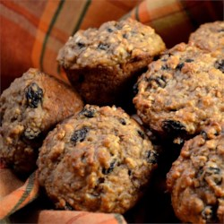 Caramelized Oatmeal Raisin Muffins Recipe - Why can't oatmeal muffins taste more like oatmeal cookies?  These do!  The trick is to first caramelize the oatmeal.  Enjoy the nice, deep oatmeal flavor.