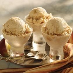 Apple Cinnamon Ice Cream Recipe - This easy frozen treat is flavored with a cup of applesauce and a little cinnamon. Don't forget to leave time to freeze it!