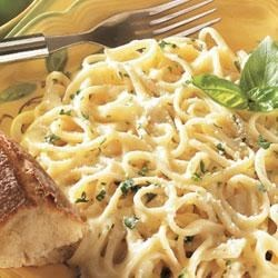 Linguine with Creamy Alfredo Sauce Recipe - You can really taste the garlic and Parmesan cheese flavors in this creamy pasta dish when the sauce is made with Swanson(R) Broth instead of cream.