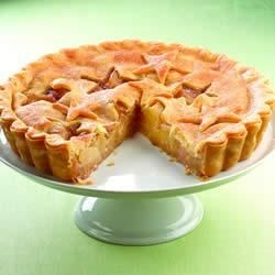 Ginger Spice Apple Tart Recipe - Easily made with prepared pie crusts and apple filling, this star-studded, spiced up tart recipe will make you feel like the luckiest cook on the block.